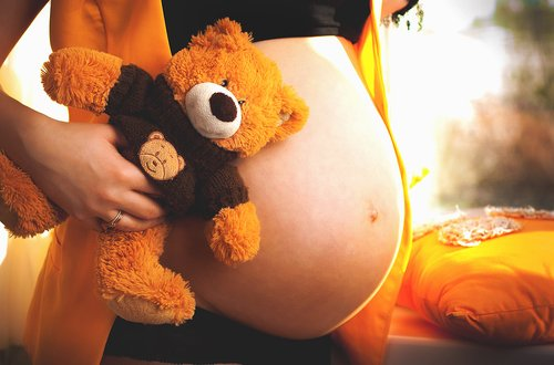 Endometriosis Doubles Risk of Miscarriage in Women Undergoing IVF or ICSI, German Study Finds